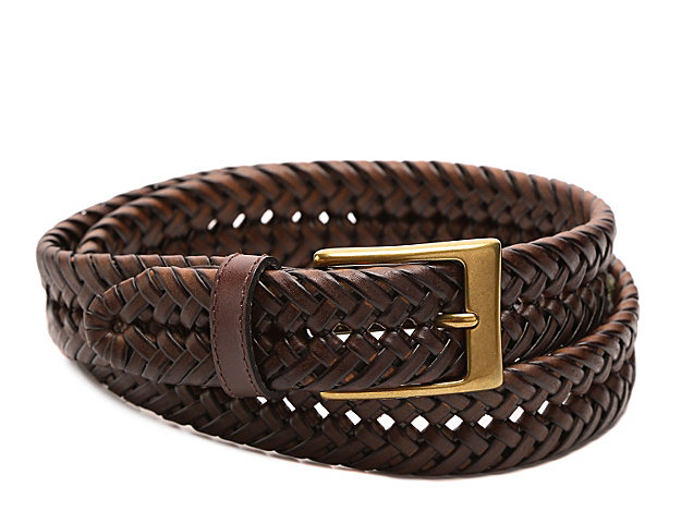 <p>Classic, sophisticated styling come to the forefront with the Braided leather belt from Dockers! Easily dress this belt up or dress it for a casual look and know you\'ll look good!</p>