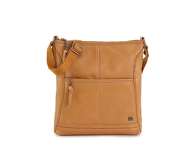 The Sak Iris crossbody is a classic beauty. With a durable design and plenty of space for essentials and more, this bag is always in style.