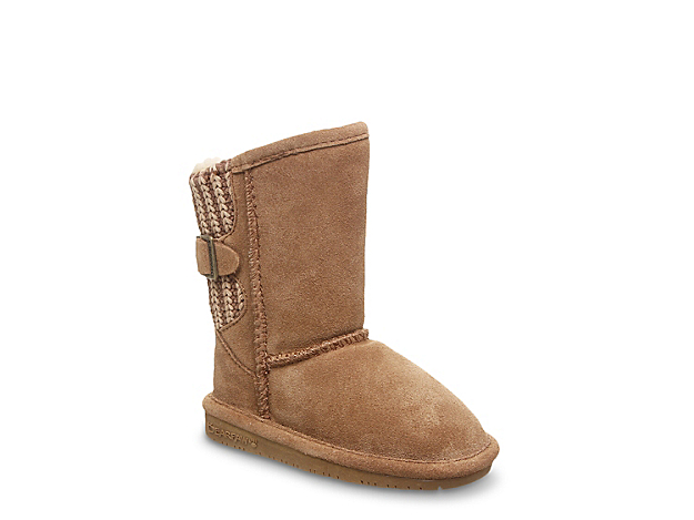 <p>Keep her cozy and casual all season long with the Bearpaw Boshie boot. Pull on these warm wool lined winter boots with some leggings and an oversized sweater for a comfy winter style.</p><p>Not sure which size to order? Click <a href=\
