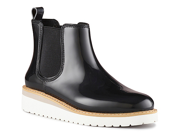 Cougar gives the classic rain boot a trendy update with the Kensington wedge booties! With a waterproof upper and a Chelsea boot design, these handcrafted rubber ankle boots are the perfect wellies to brave the wet weather in style! Click here for Boot Measuring Guide.
