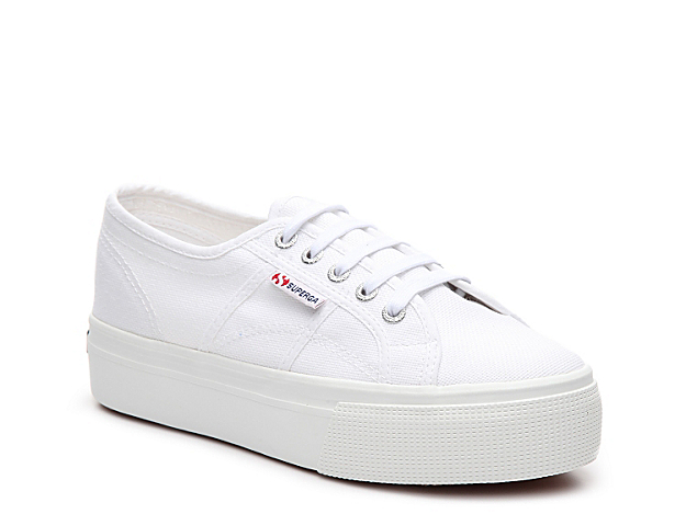 A casual flatform from Superga gives you added lift in your sneaker collection. Lace-up in this weekend look today!