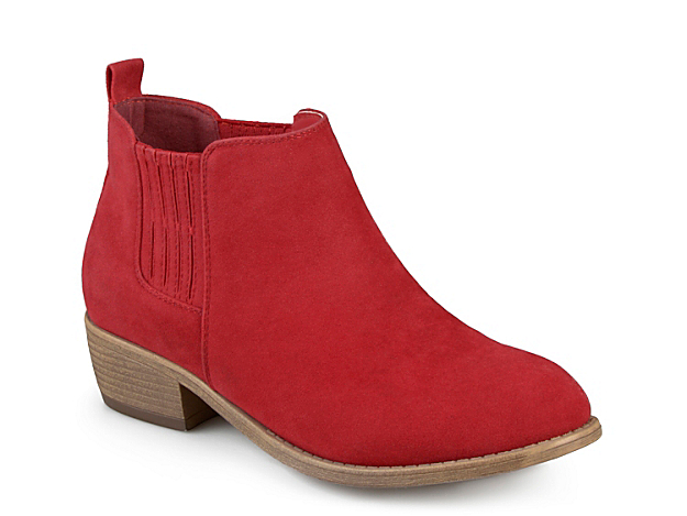 With a trendy Chelsea boot design, the Ramsey booties from Journee Collection will become your go-to ankle boots for effortless fashion!Click here for Boot Measuring Guide.