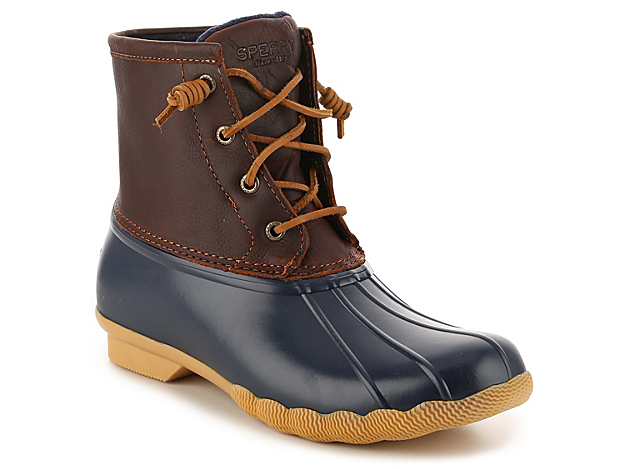 Zip up in these waterproof winter boots from Sperry Top-Sider to complete your cold weather look! With a trendy duck boot design, the Saltwater snow boots will keep you cute and cozy all season long!Click here for Boot Measuring Guide.