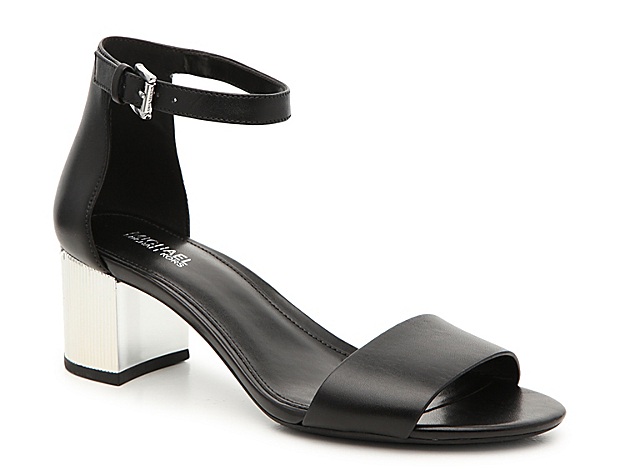 The Paloma sandal from Michael Michael Kors infuses modern and classic style together. This two-piece pair is crafted from smooth leather and features a gold-toned metal block heel for extra shine in your step.