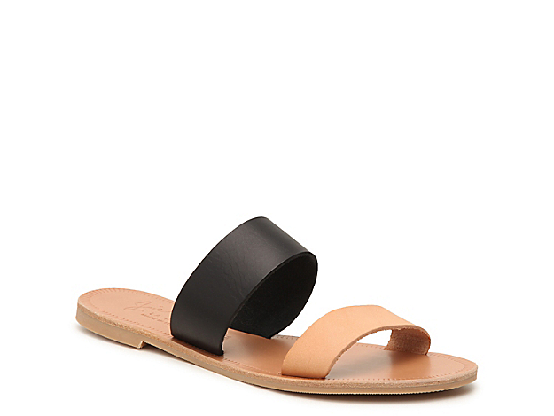 You\\\'ll be summer-ready when styling the Sable sandal from Joie. The leather straps and modern design will go with anything from vibrant dress to flared jeans!