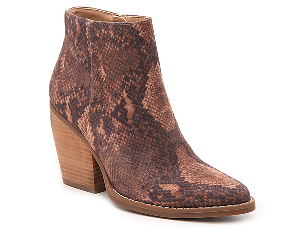 The Klick bootie from Madden Girl will be your perfect companion this season. The textural construction and stacked heel will go great with skinny jeans and a moto jacket!