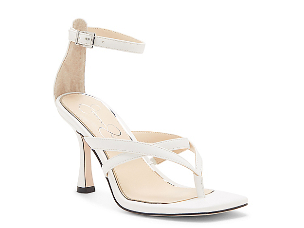 Update your sandal collection with the Opral from Jessica Simpson. This thong sandal features a squared-off toe and flared heel for modern appeal.