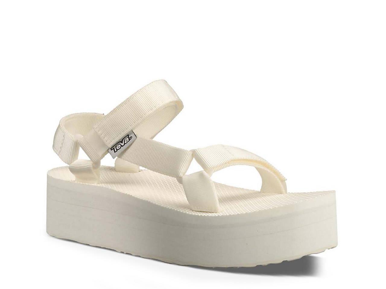c50457b3316 Teva Flatform Universal Sandal Women s Shoes