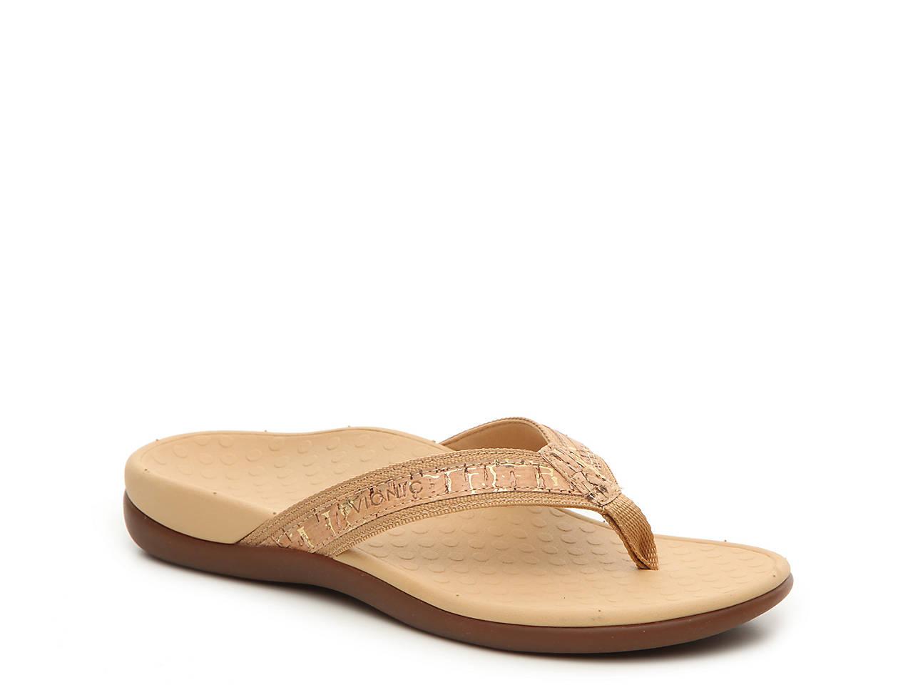 Tide II Flat Sandal. Vionic