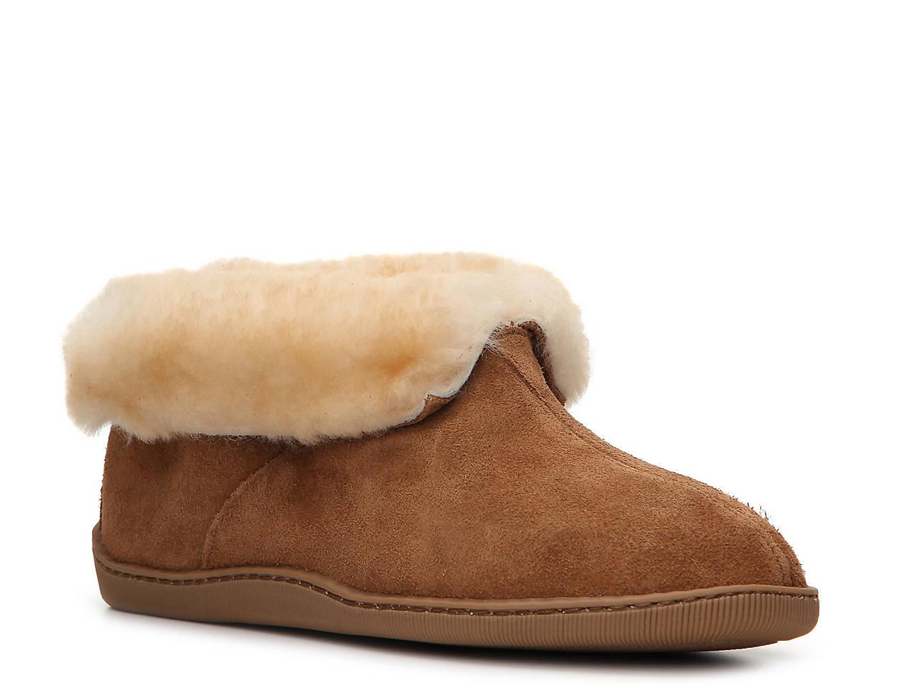 51633287a Minnetonka Sheepskin Slipper Men's Shoes | DSW