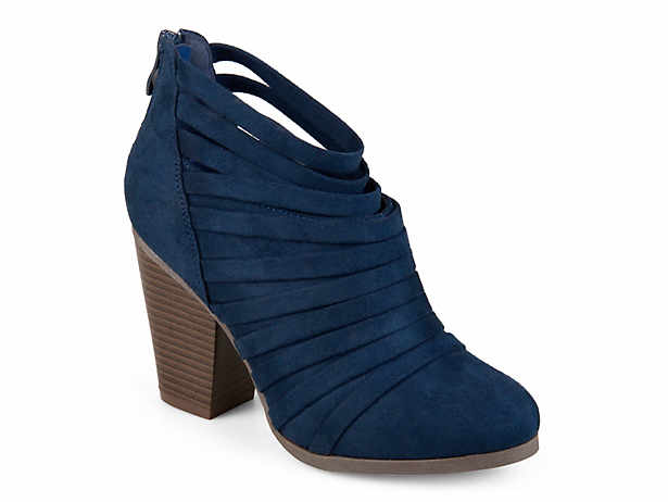 b7d794eeac24 Journee Collection Link Bootie Women s Shoes