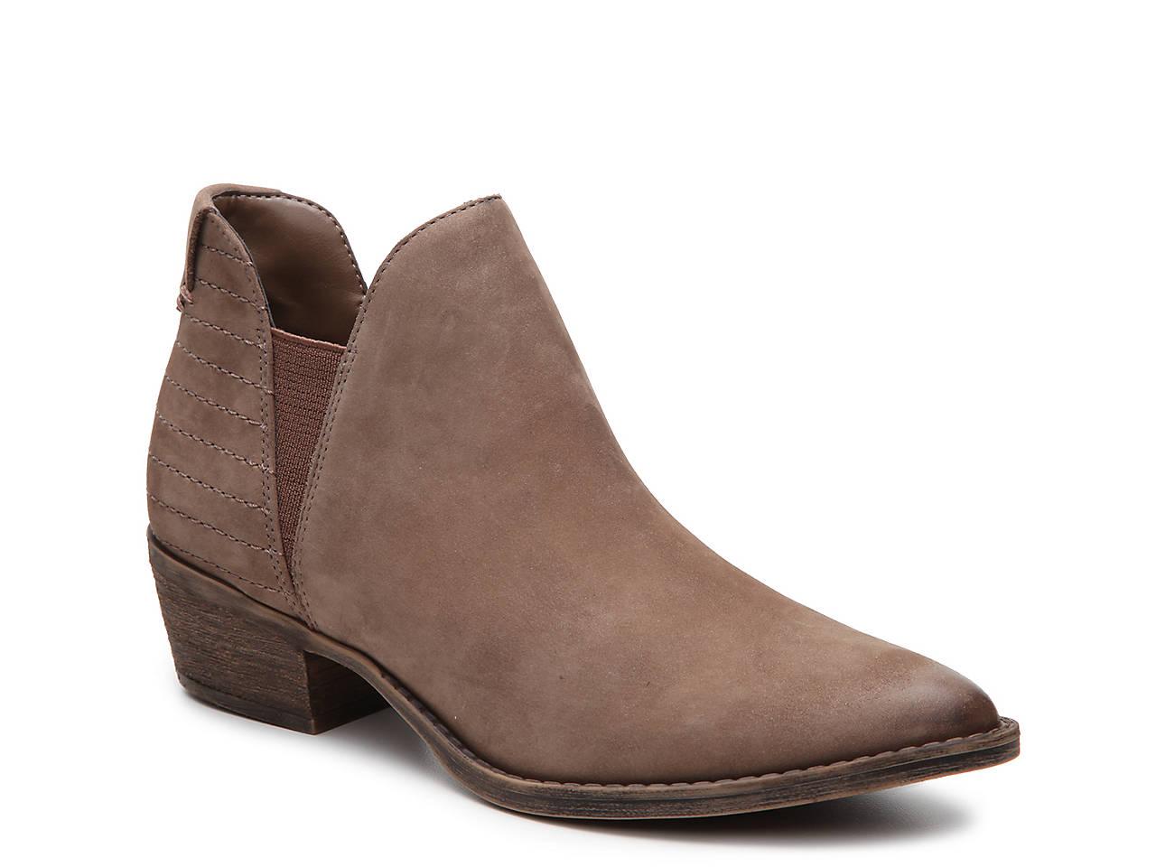 832925903 Steve Madden Ayce Chelsea Boot Women's Shoes | DSW