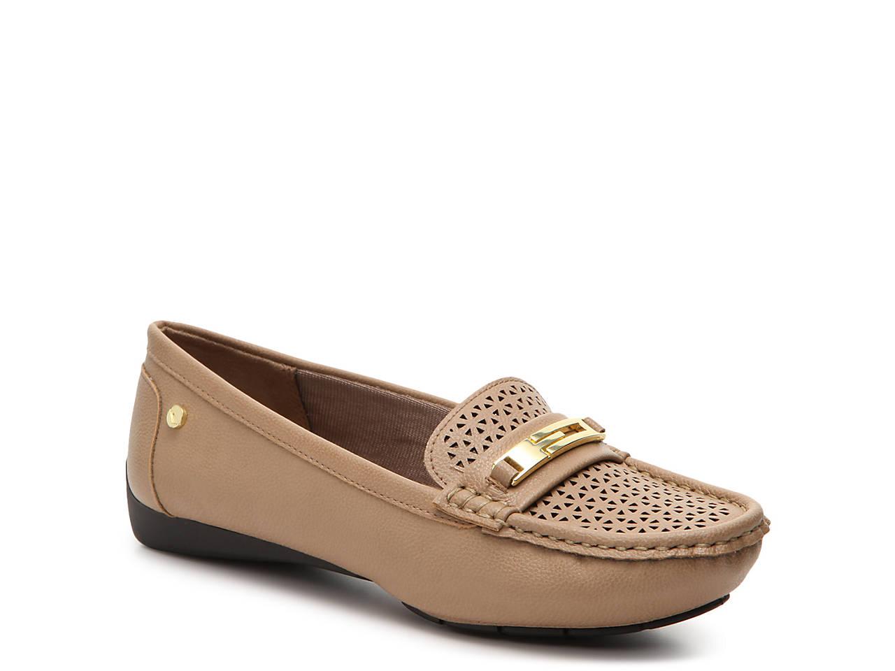 2a0a4c48b02 Viva Loafer