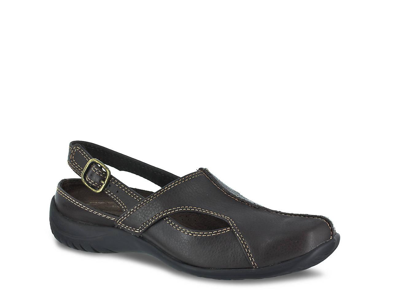 8c6bbb5539a7 Easy Street Sportster Slip-On Women s Shoes