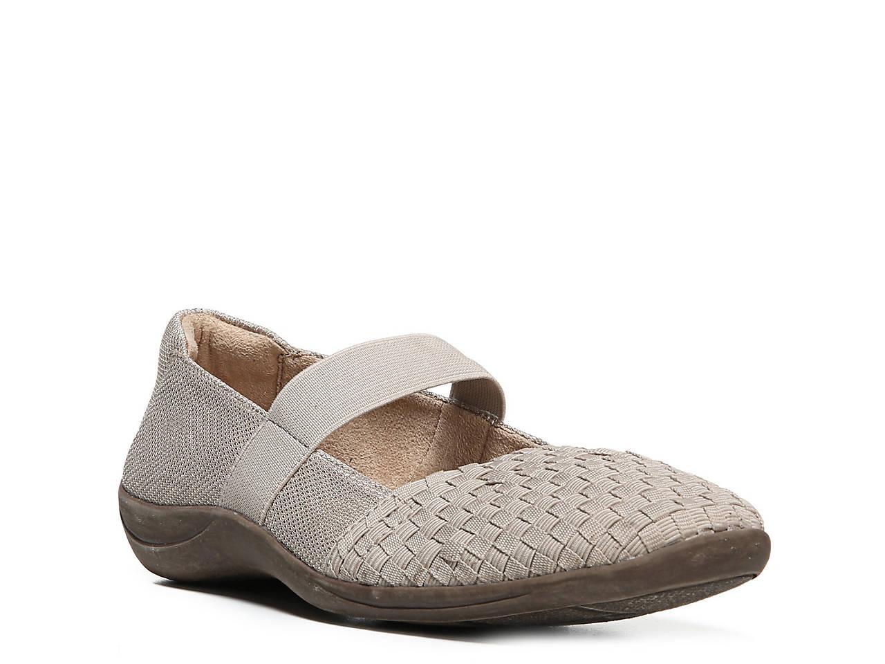 04759982f6 Naturalizer Fearn Flat Women s Shoes