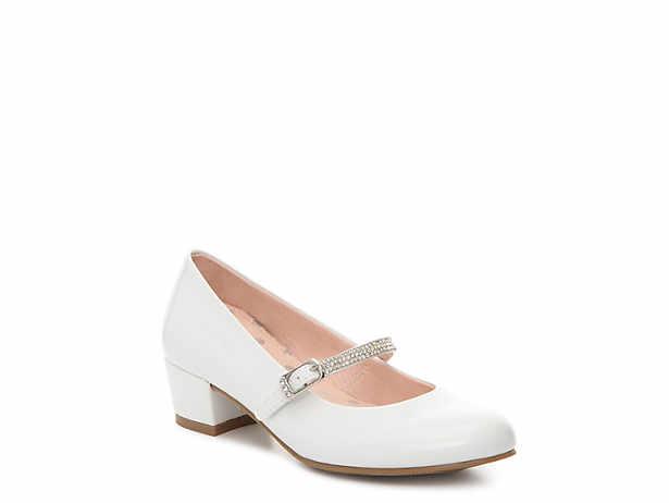 Girl dress shoes white.