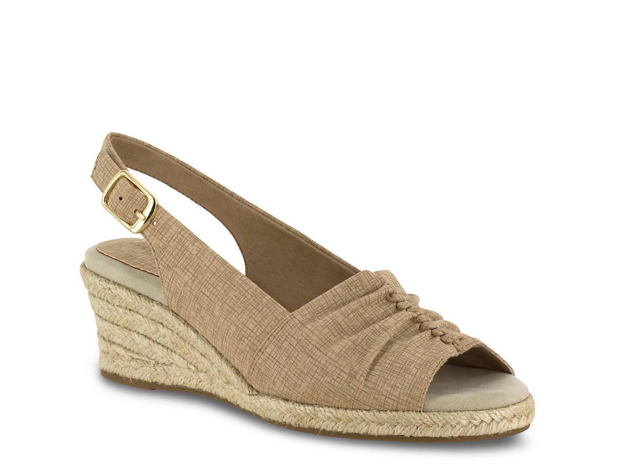 Easy Street Women s Kindly Espadrille Wedge Sandal B01MZYQ2W1