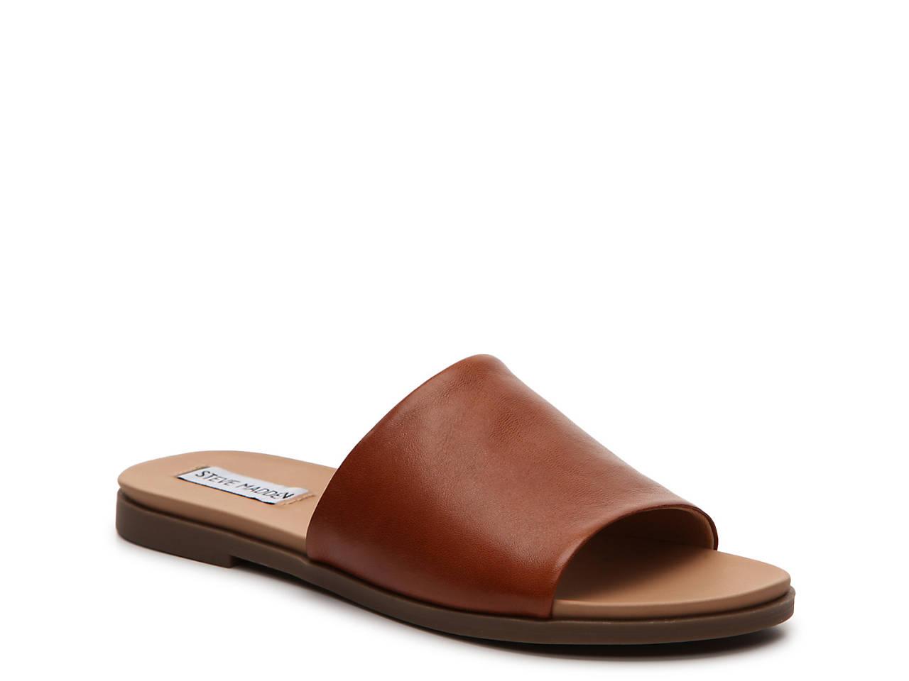 Karolyn Flat Sandal