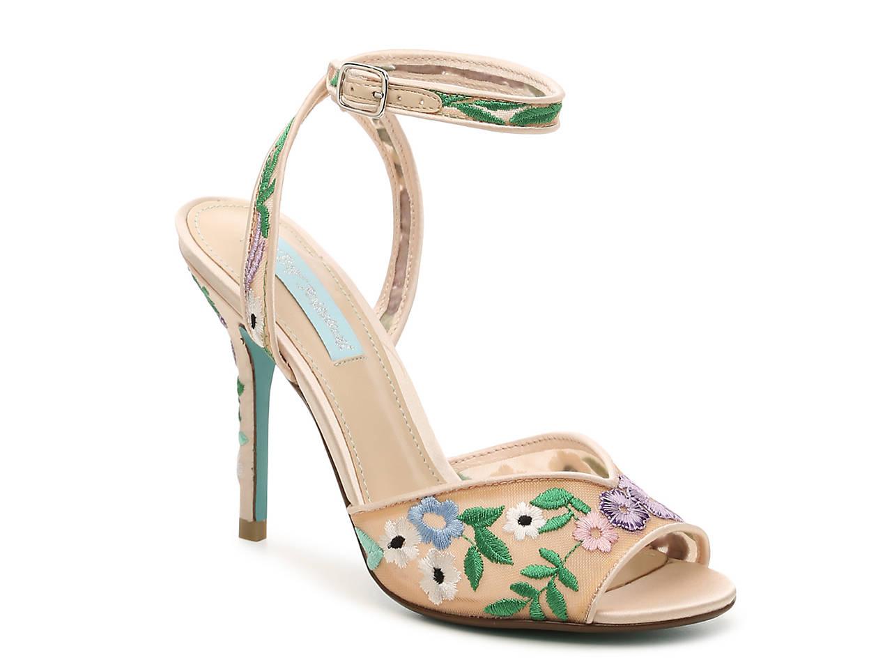 6c913181f5e Betsey Johnson Dylan Sandal Men s Shoes