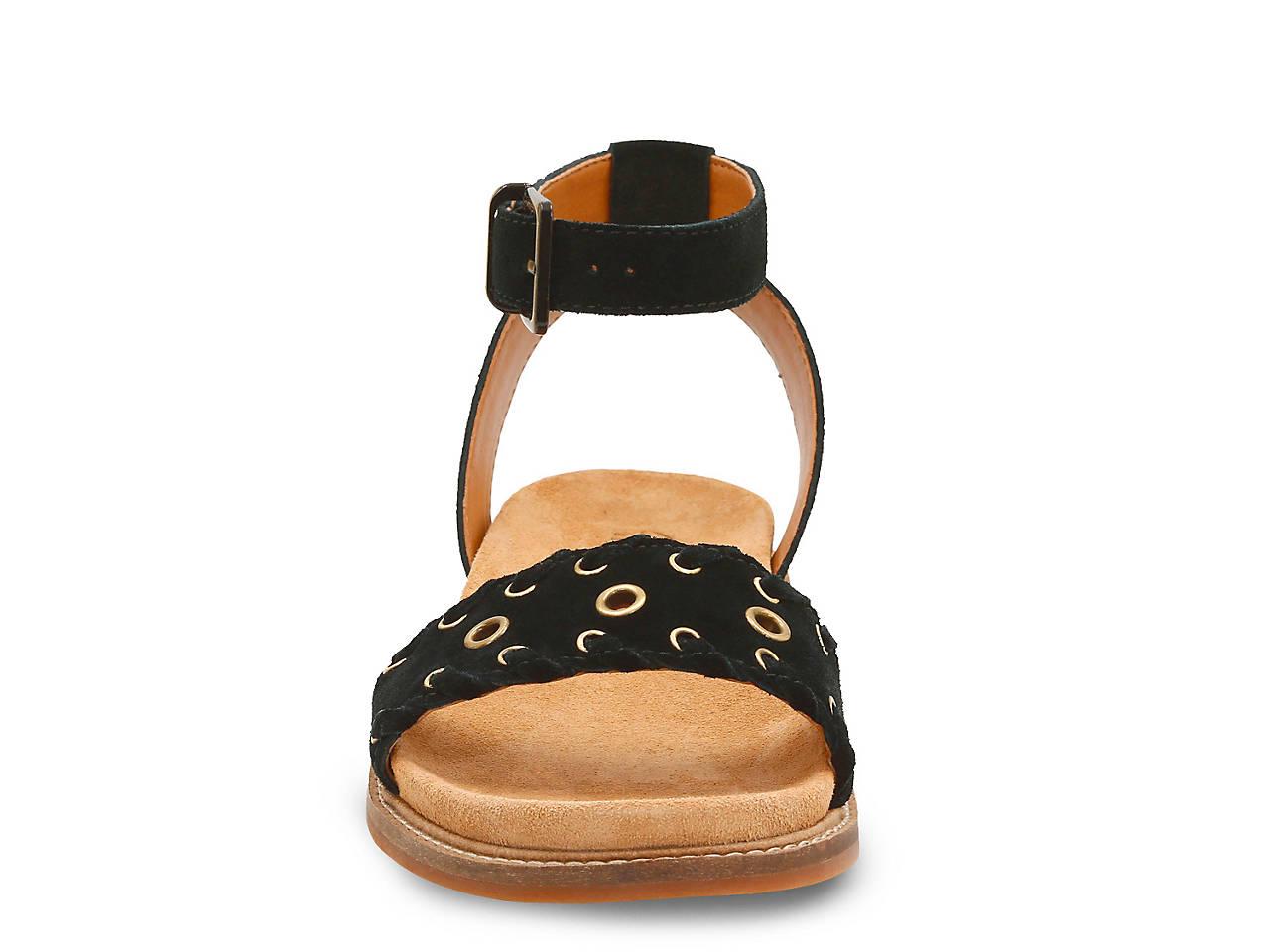 a8f919703 Clarks Corsio Amelia Flat Sandal Women s Shoes