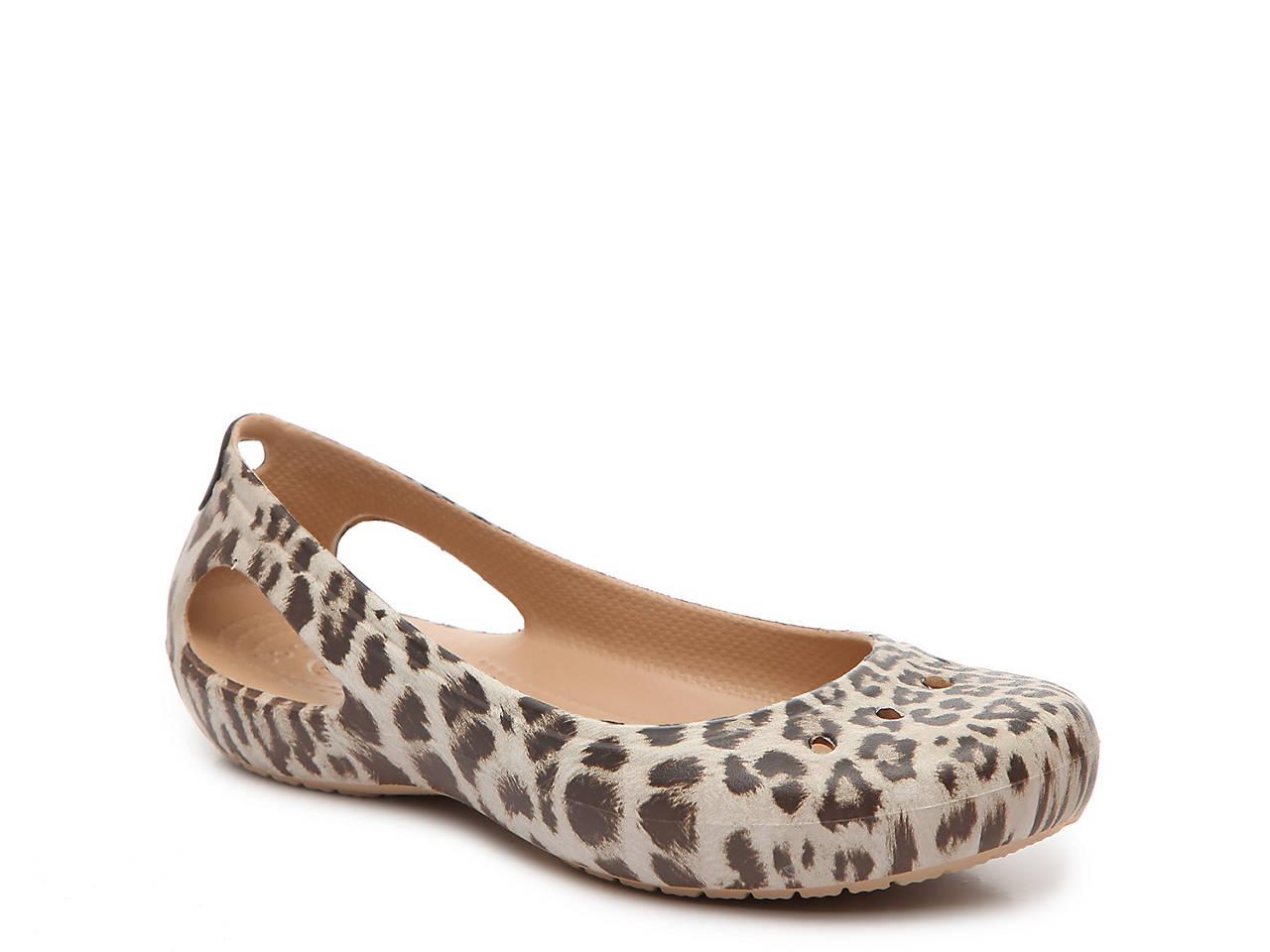 dc56c42d065ebb Crocs Kadee Graphic Flat Women s Shoes