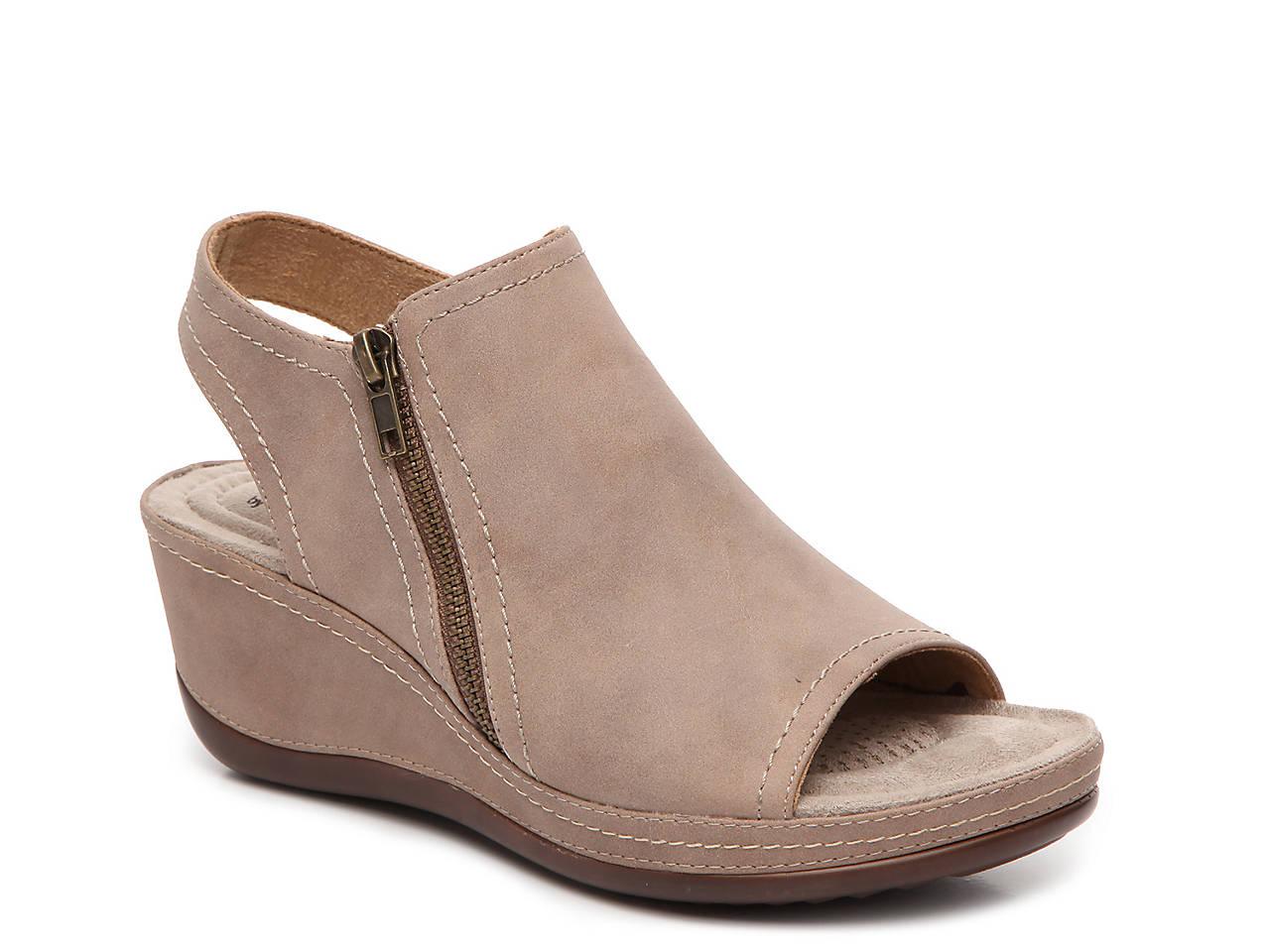 1d39e96797793 Cliffs by White Mountain Farrell Wedge Sandal Women s Shoes