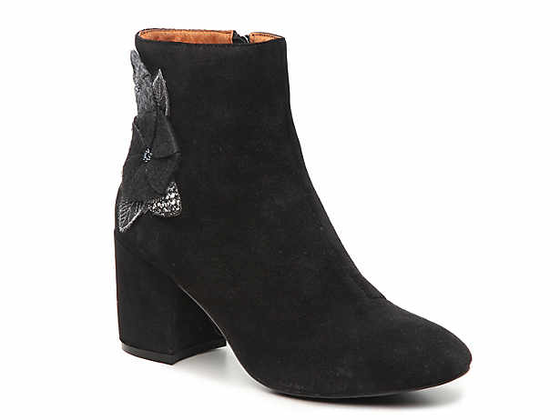 10c9902833 Betsey Johnson Twiggy Bootie Women's Shoes | DSW