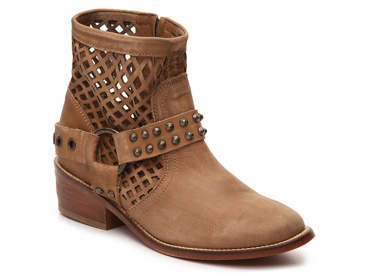 Musse /& Cloud Womens Anzel Ankle Bootie