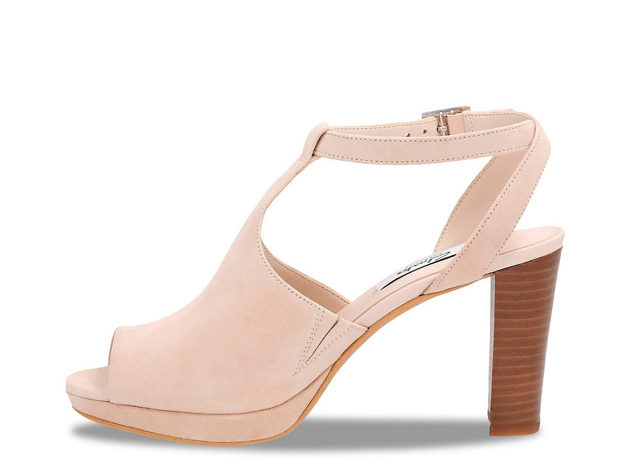 4e01b36f558 Clarks Kendra Charm Sandal Women s Shoes