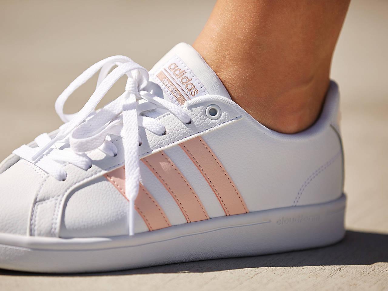 Advantage Sneaker Women's