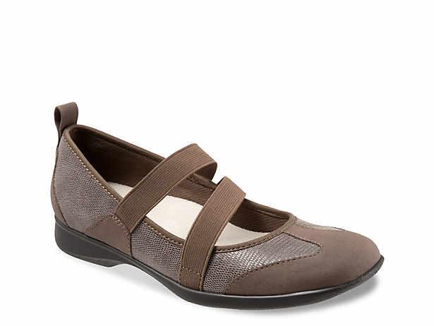 70b9cdce583 Ahnu Karma Latitude Flat Women s Shoes