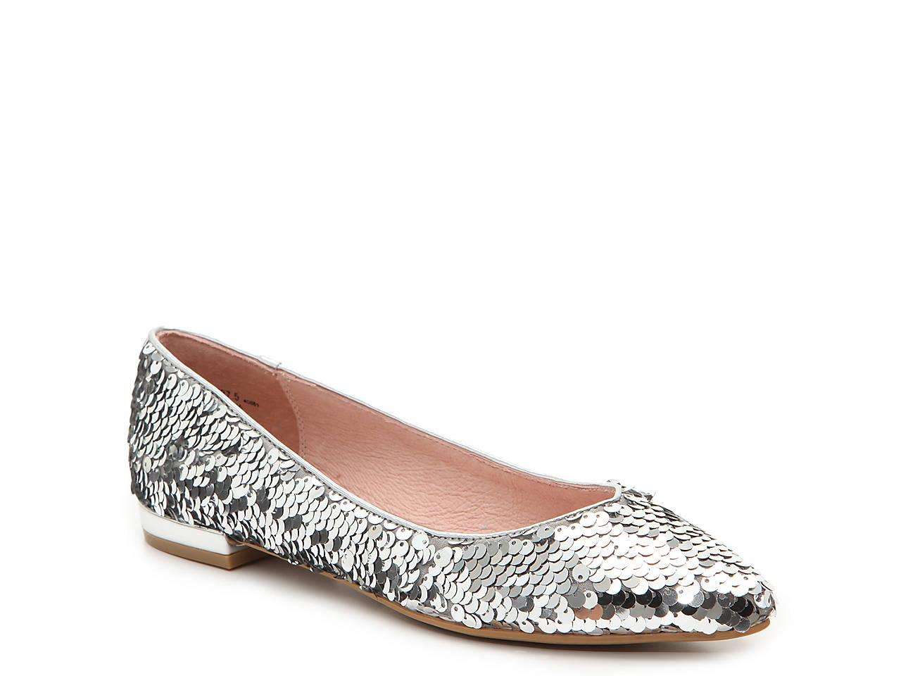 7b94e7b289e Chinese Laundry Graceful Flat Women s Shoes