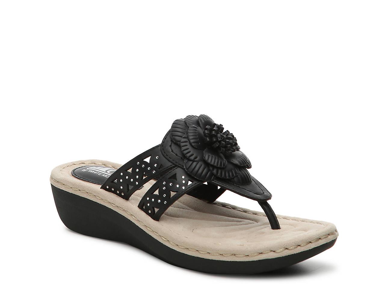 ed9965e4adba Cliffs by White Mountain Cynthia Wedge Sandal Women s Shoes