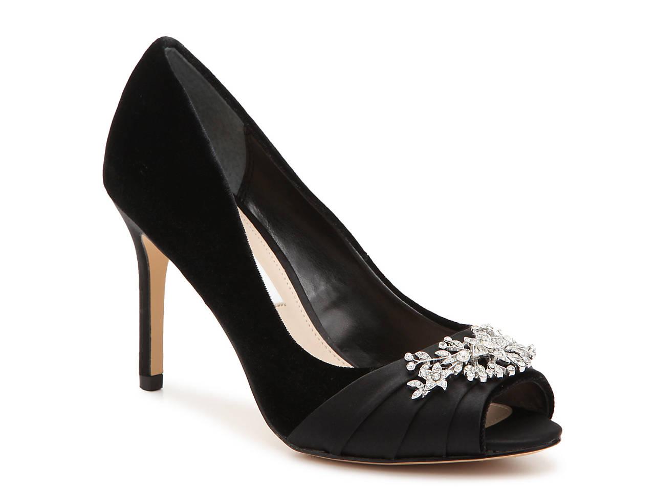 893d180af7e Nina Rumina Velvet Pump Women s Shoes