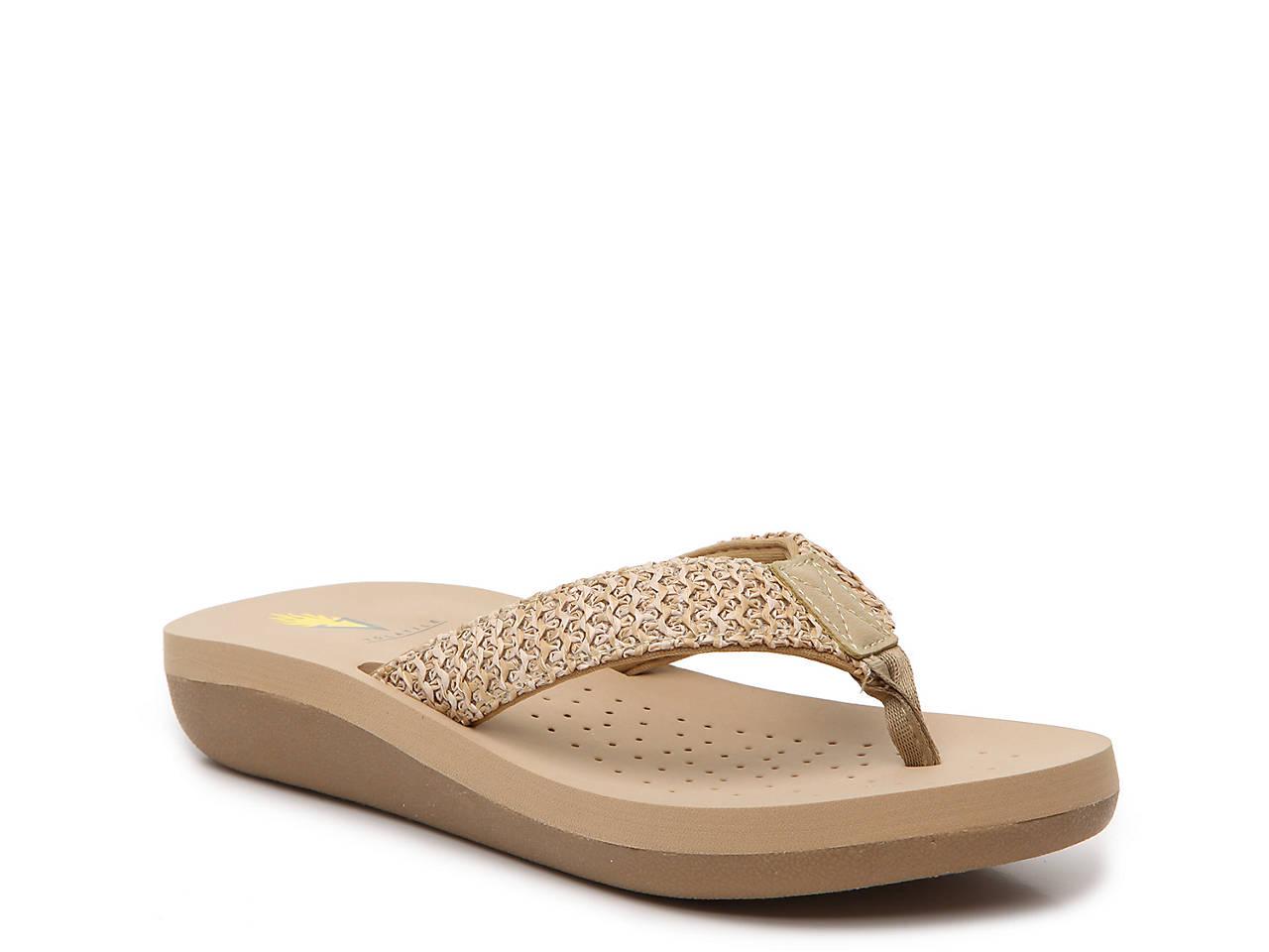 a02160d37 Volatile Higgins Wedge Sandal Women s Shoes