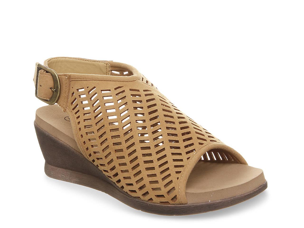 e632cf1330cb Bearpaw Roxie Wedge Sandal Women s Shoes