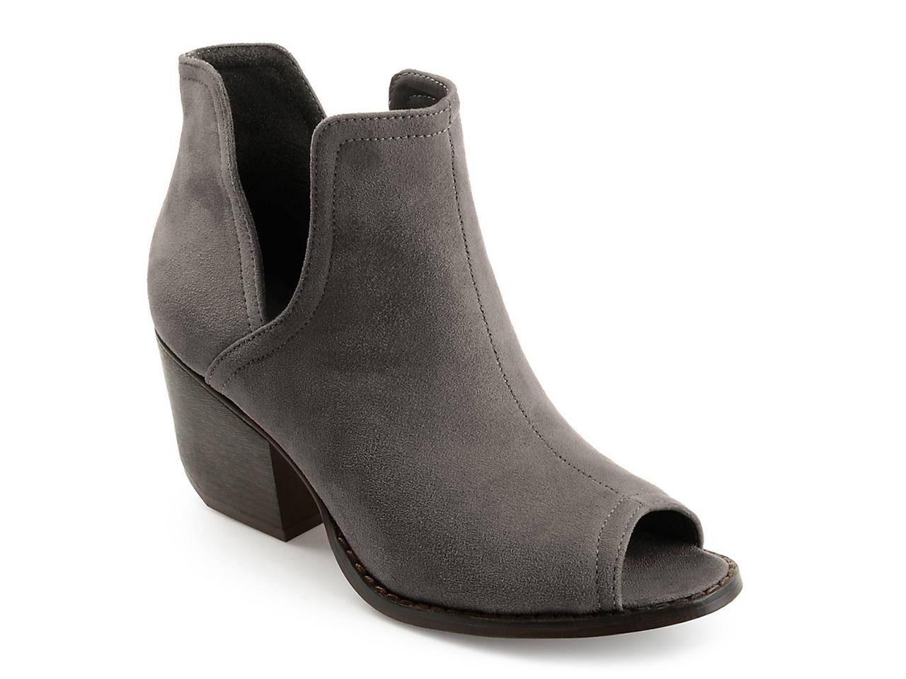 a30f8b8558d6 Journee Collection Jordyn Bootie Women s Shoes