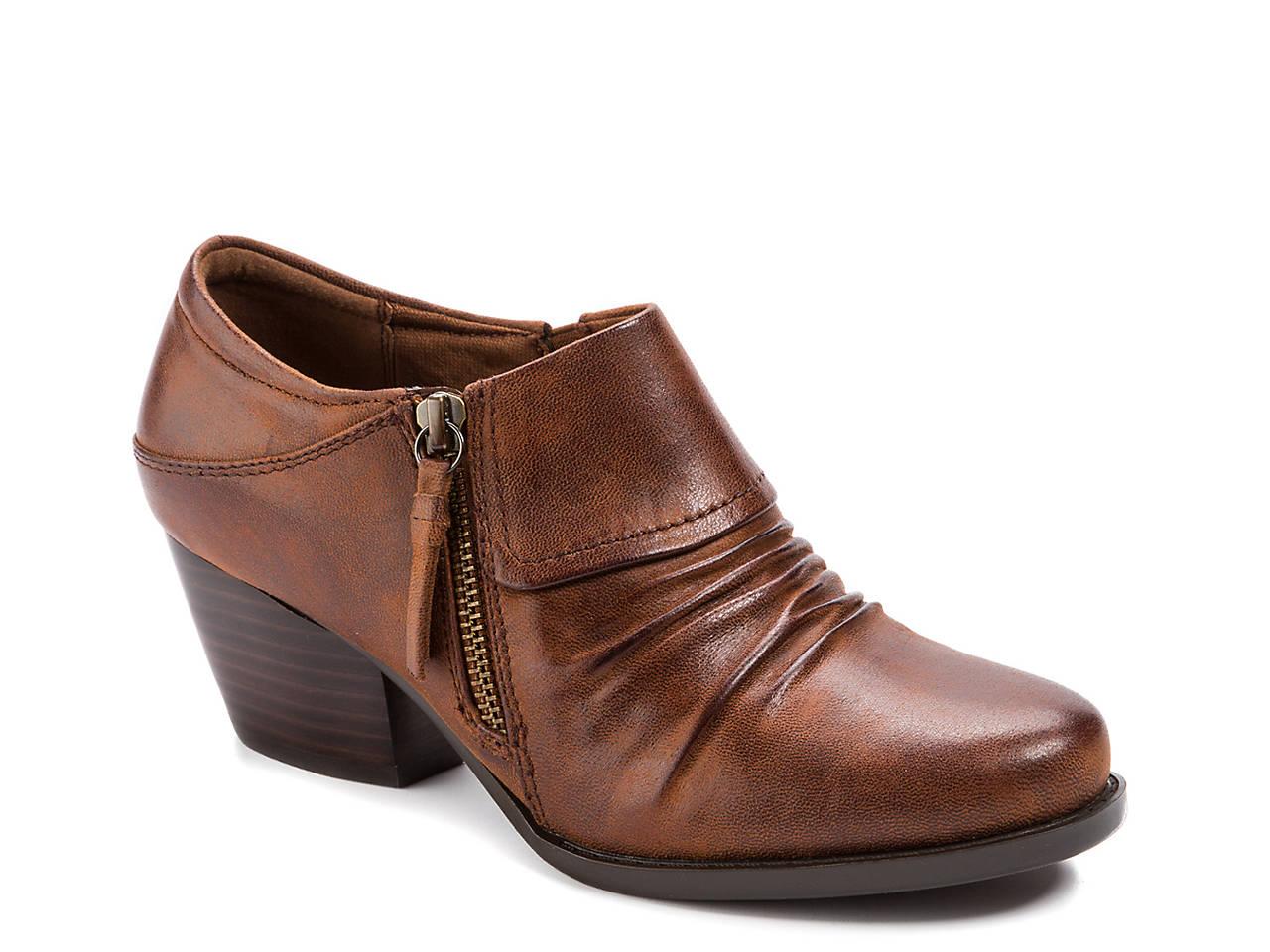 bf6ba53dcdc Bare Traps Raini Bootie Women s Shoes