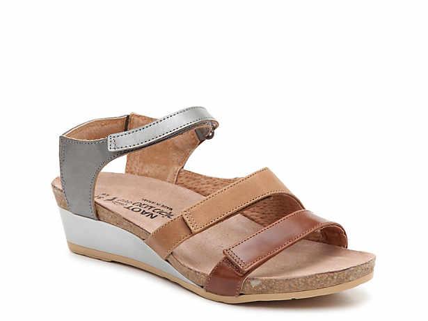 Goddess Wedge Sandal. Naot