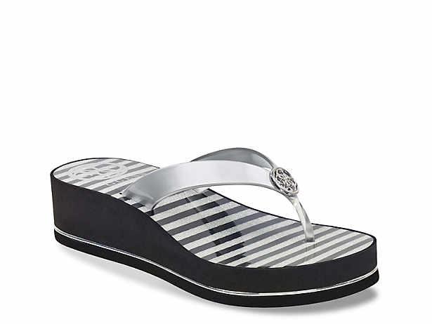 d4538737504f60 Women s Black Guess Flip Flop Sandals