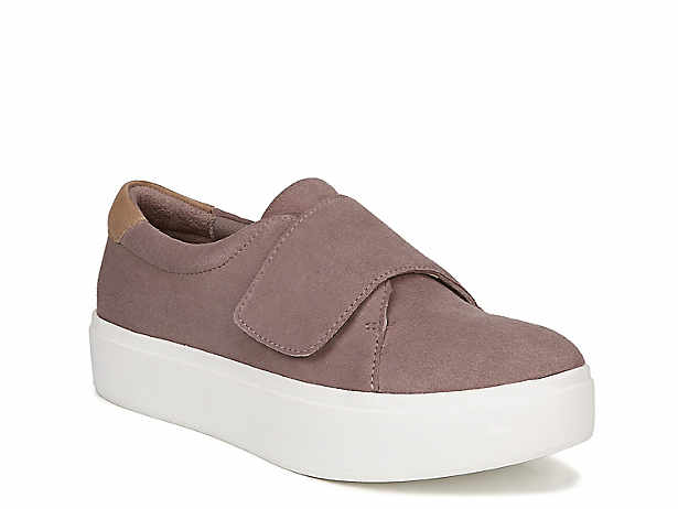 25f37a8eed81 platform sneaker