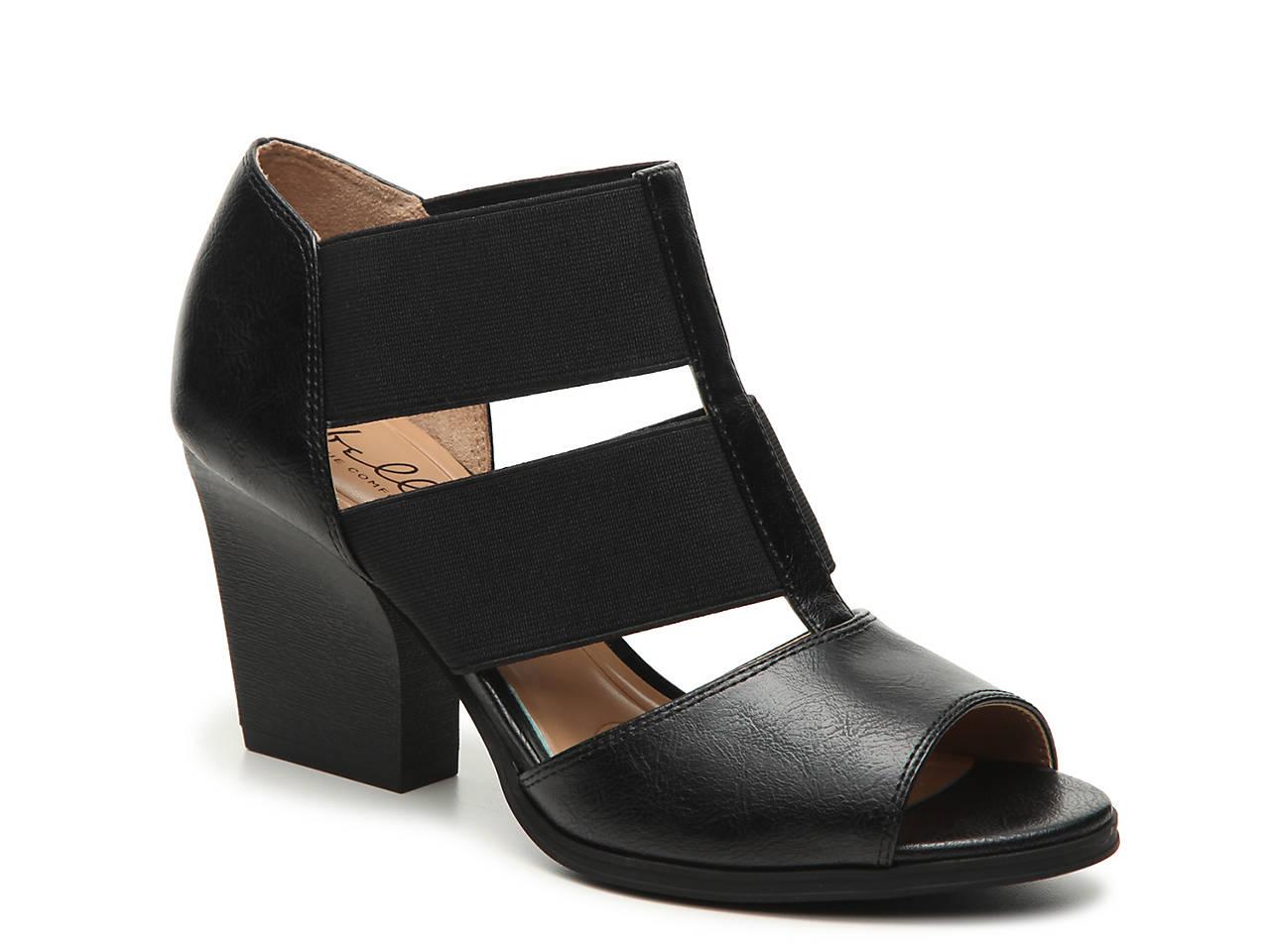 dcd84823a91 Abella Wisteria Sandal Women s Shoes