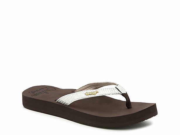 133ee00fa209 Reef. Star Cushion Sassy Flip Flop