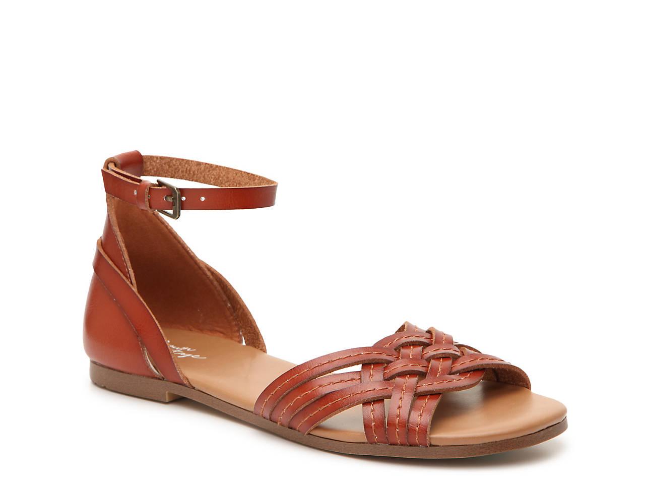 a9d9b6f9cf2 Crown Vintage Seabrylla Sandal Women s Shoes