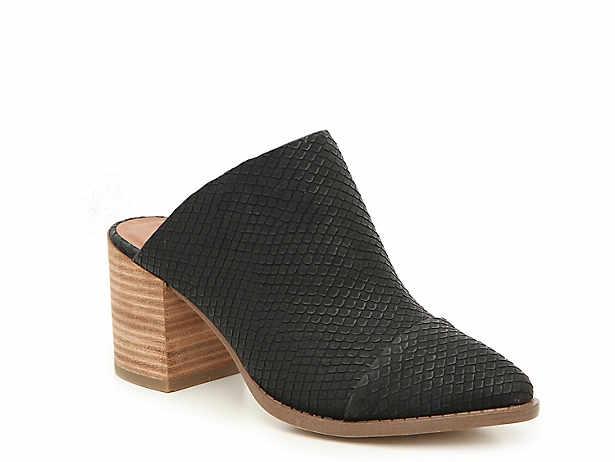 Women s Black Report Shoes  83b1df4e25d0