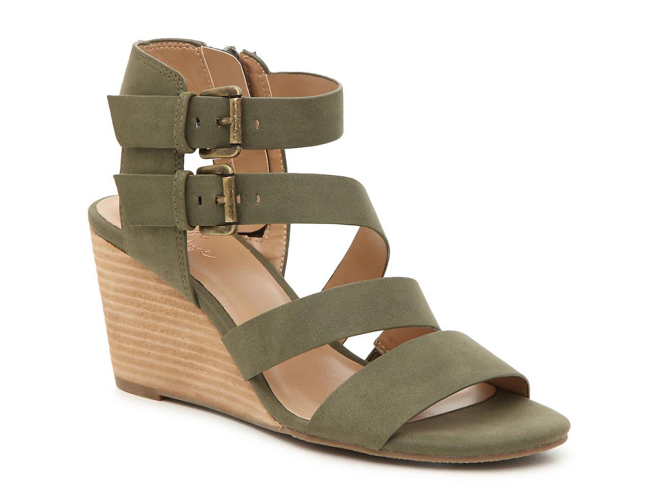 646d2a3e840 Crown Vintage Carlotta Wedge Sandal Women s Shoes