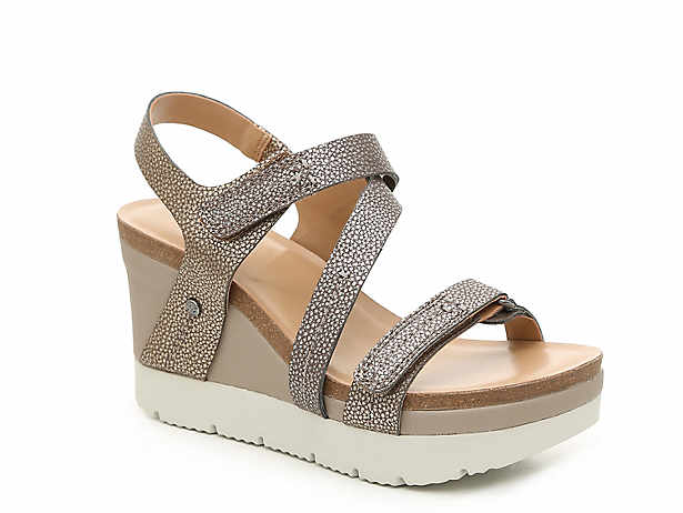 adc6727bf0d78 Women's Wedge Sandals & Flip-Flops | Free Shipping | DSW