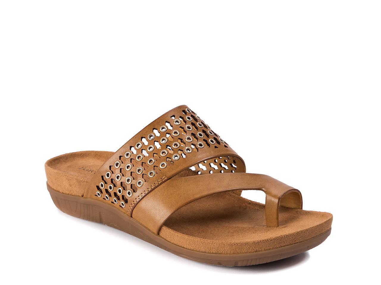 e6b3817f217 Bare Traps Juny Sandal Women s Shoes
