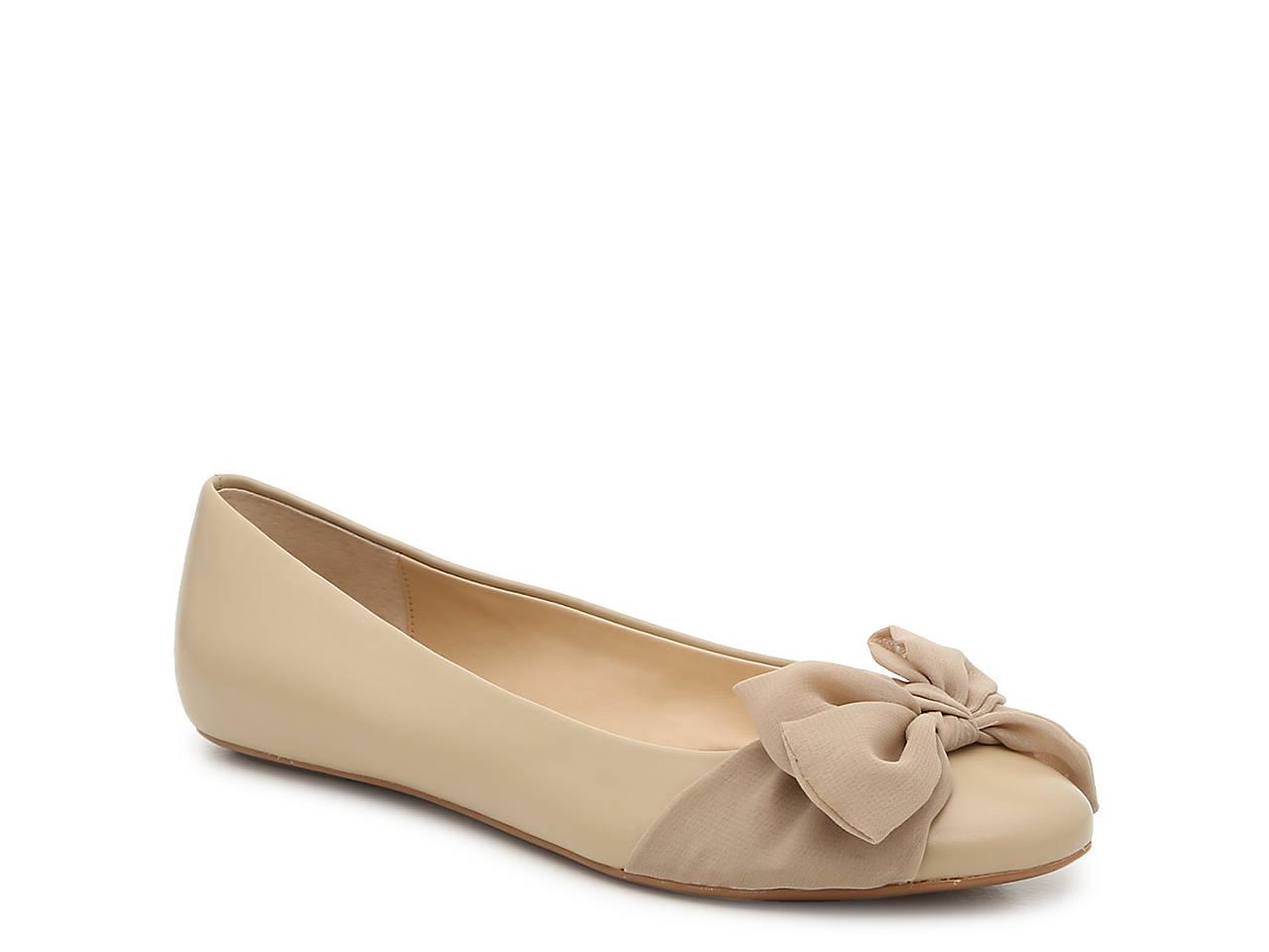 51332491efc6 Isaac Mizrahi Arielle Ballet Flat Women's Shoes | DSW
