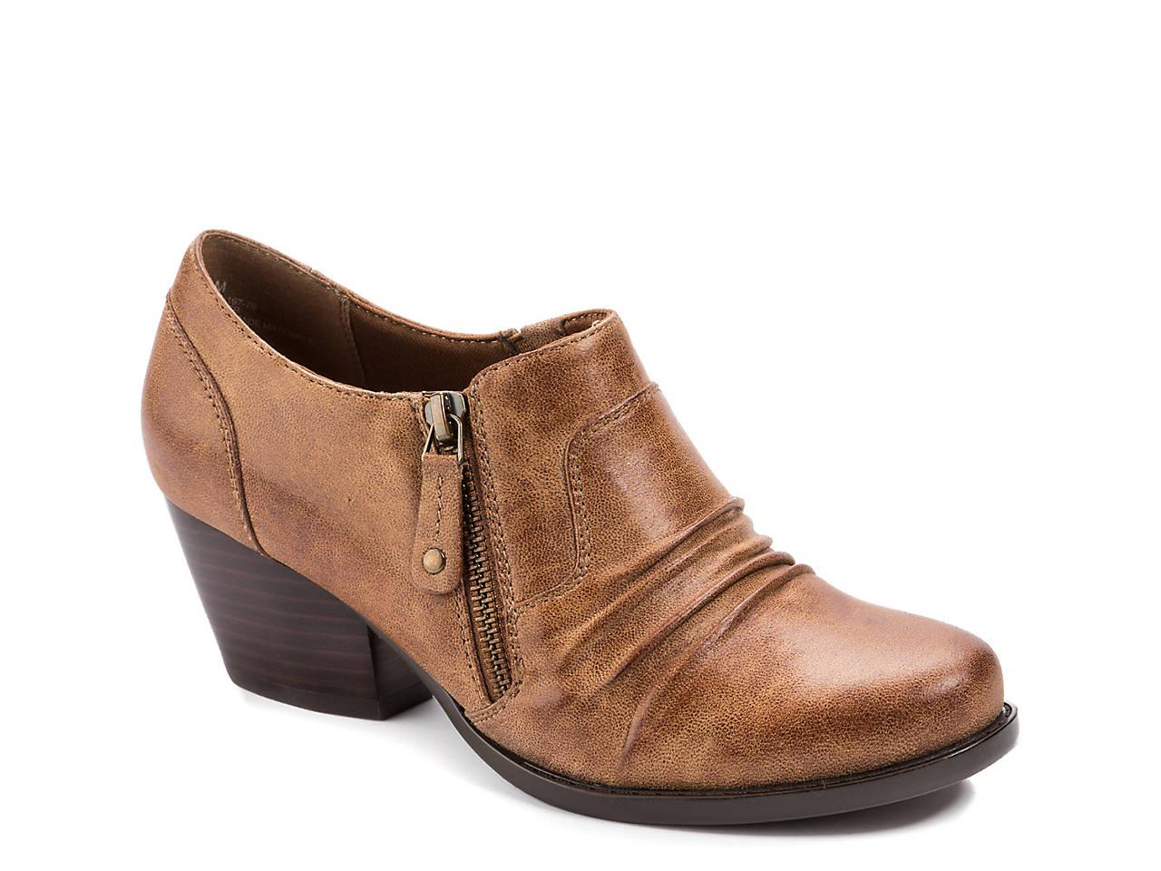 64e04f4171a9 Bare Traps Rylie Bootie Women s Shoes
